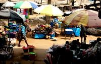 Afrikanischer Markt - Handelsplatz für tradtionellen Afrika Schmuck
